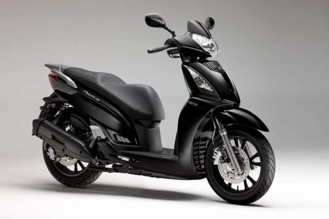 kymco people 200 gti 2011 current when 200 c c feel like 300 moto. Black Bedroom Furniture Sets. Home Design Ideas