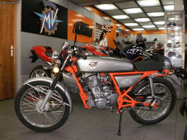 Skyteam Ace 125 – Ride review: Τhe road racing of the 60s