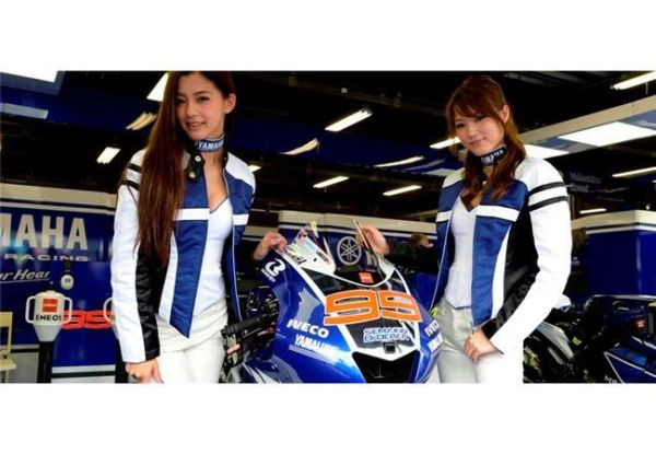 motoGP Motegi - the paddock girls: A second win for Yamaha!   moto-choice.com
